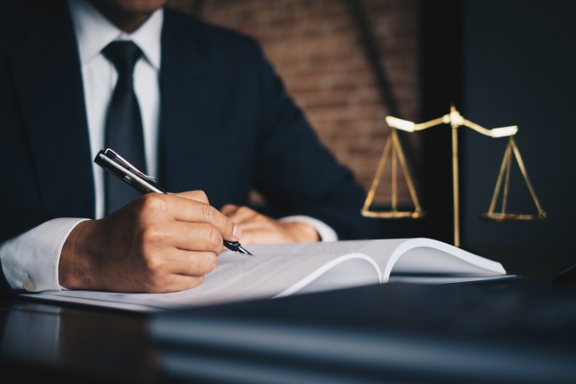 4 Tips For Selecting The Right Injury Attorney