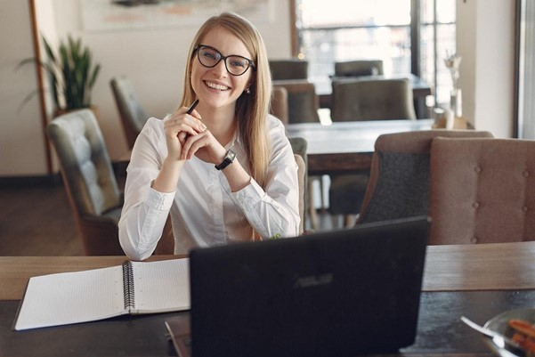 3 Benefits of Working with an Online Law Firm